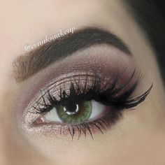 Create gorgeous looks like this one from @crunkmakeup, with the help of LORAC's #UNZIPPED palette.