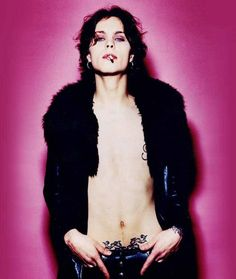 his infernal majesty ville valo / his infernal majesty ville valo Ville Valo, Guns N Roses, Beautiful Men, Beautiful People, Gothic Rock, Green Day, Music Bands, Rock Bands, Barista