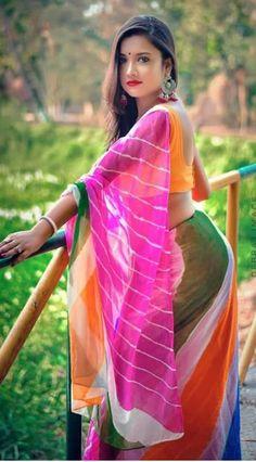 Beauty Full Girl, Beauty Women, India Beauty, Asian Beauty, Beautiful Girl Indian, Beautiful Roses, Indian Beauty Saree, Indian Sarees, Grace Beauty