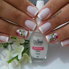 We have come up with 40 cool French tip nails with designs on ring finger for you to try out. I can guarantee you'll find a few in here that you'll always go back to. French Tip Nail Designs, French Tip Nails, Gel Nail Designs, Nails Design, Tribal Nails, Flower Nails, Gold Nails, Manicure And Pedicure, Nail Tips