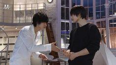 masataka kubota and kento yamazaki - Tìm với Google Kento Yamazaki Death Note, Kubota, Live Action, Tv Shows, Geek Stuff, Japan, Movies, Queen, Google