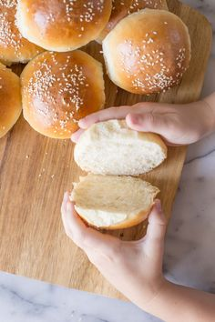These fluffy, golden Sourdough Hamburger Buns will bring your burger night to the next level! Start the dough in the morning, and buns are ready by dinner. Hamburger Bun Recipe King Arthur, King Arthur Sourdough Recipe, Sourdough Hamburger Buns Recipe, Sourdough Starter Discard Recipe, Homemade Hamburger Buns, Sourdough Recipes, Sourdough Bread, Bread Recipes, Butterhorn Rolls Recipe