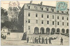 POITIERS - Caserne Sainte Catherine