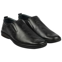 Pierre Cardin presents from its wide range of formal footwear, an easy to wear slip-on shoe. This style comes with a cushioned collar, an elastic go around and a lightweight rubber sole to ensure the perfect fit for your feet. Wear it for long road journeys or every day to work. Our breathable leather lining neutralises moisture and eliminates odour for a forever –fresh feeling. #slipon #black #leather #lightwieght #sole #mensfashion #formal #footwear #shoes #2020 #style