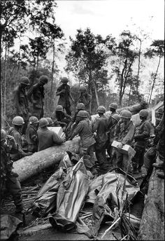 hill 875 | ... in body bags, Battle of Dak To, Hill 875, South Vietnam, November 1967