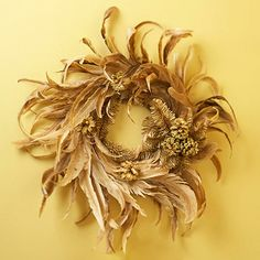 New Modern Wreath Ideas for Fall - Bring a touch of understated elegance to your home with a faux feather wreath in the golden colors of fall. Front Door Decor, Wreaths For Front Door, Door Wreaths, Feather Wreath, Gold Wreath, Feather Crafts, Wreath Crafts, Diy Wreath, Wreath Ideas