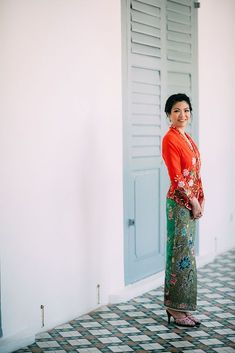 """""""Given that we grew up, met and dated in Singapore – we knew we wanted a photo shoot here as this is the place that holds all the memories we have made and the place where future memories will come from."""" ~ Wee Soon Kebaya Lace, Batik Kebaya, Batik Dress, Kebaya Brokat, Kebaya Dress, Singapore Outfit, Singapore Fashion, Beanie Boos, Kebaya Wedding"""