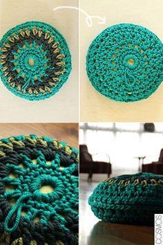 How to crochet a pouf. Rug Ideas, Poufs, D1, Ottomans, Homemade Gifts, Twine, Mirrors, Knit Crochet, Baskets
