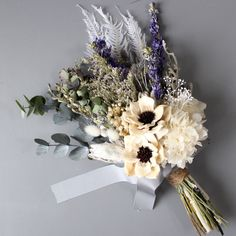ウェデング・ギフトなどでオーダーいただいたアレンジメントのギャラリーです。。 Diy Wedding Flowers, Bridal Flowers, Flower Bouquet Wedding, Floral Wedding, Dried Flower Arrangements, Beautiful Flower Arrangements, Beautiful Flowers, Hand Bouquet, Dried Flower Bouquet