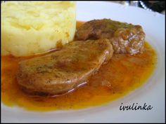 Slices of pork on butter - Plátky panenky na másle recept - TopRecepty. No Salt Recipes, Bon Appetit, Family Meals, Baked Potato, Stew, Mashed Potatoes, Food And Drink, Yummy Food, Chicken