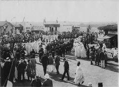 Rabat  Foire de Rabat : visite des différents stands, le Résident donne des explications au sultan  1917.09.23