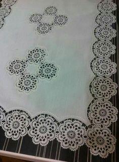 This Pin was discovered by HUZ Crochet Edging Patterns, Crochet Borders, Crochet Motif, Crochet Doilies, Crochet Lace, Crochet Table Runner, Crochet Tablecloth, Crochet Cardigan, Table Runners