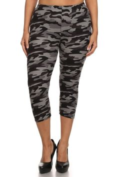 Camo Design Plus Size Capri Leggings