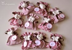 La Pupazzara: Bomboniere Nascita Baby Shower Party Favors, Baby Shower Parties, Baby Showers, Dress Card, Baby Birth, Party Gifts, Confetti, Projects To Try, Diy Crafts