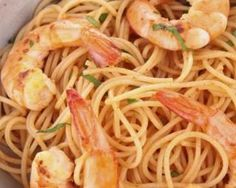 Spaghetti de konjac sautées aux crevettes, citron vert et lait de coco