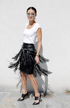 People Around The World, Midi Skirt, Ballet Skirt, Spring Summer, Ootd, Women's Fashion, Skirts, Skirt