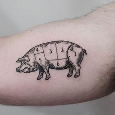Woodcut style pig tattoo divided into six parts by Jonas Ribeiro Dad Tattoos, Mini Tattoos, Body Art Tattoos, Sleeve Tattoos, Tattoos For Guys, Little Tattoo For Girls, Little Tattoos, Leopard Tattoos, Animal Tattoos