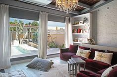 PINK HOUSE apartment, Barcelona, Spain