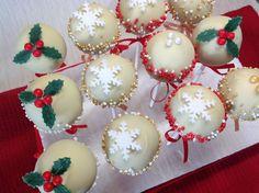 VÍKENDOVÉ PEČENÍ: Vánoční dortová lízátka