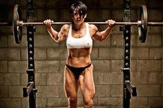 Gratuitous lady squats. Nice rack (squat rack, that is)