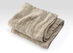 Linen towels made in the USA by Brahms Mount : people are IN love with these...
