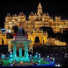 ನಮ್ಮ ಮೈಸೂರ್ ಅರಮನೆ ನೋಡ!  More than 1,00,000 lamps are used to illuminate Mysore Palace. During weekends and on other festive days the palace is illuminated in the evenings for a specific duration.  Mysore Palace is now one of the most famous tourist attractions in India, after the Taj Mahal, and has more than 3 million visitors annually.