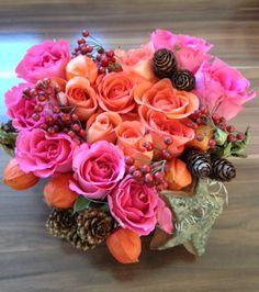 Grabgesteck _Rosenherz Flowers, Plants, Diy Home Crafts, Plant, Royal Icing Flowers, Flower, Florals, Floral, Planets