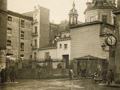 Antiguos cafés de Madrid y otras cosas de la Villa.: LA FONDA Y EL CAFÉ DE SAN SEBASTIAN, EL RELOJ DE CANSECO Y UN CEMENTERIO.