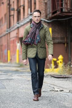 How to wear a quilted jacket on the weekend. Casual weekend style for men featuring a Lavenham quilted jacket, Drake's scarf and cap toe boots.