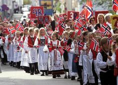 Haugesund is where I was born. Children's parade in Haugesund, Norway's Constitution Day on May On this day, you can experience the world's longest children's parade in Norway. Oslo, Norway Culture, Norwegian People, Norwegian Vikings, Norway Viking, Constitution Day, Scandinavian Countries, Visit Norway, Stavanger
