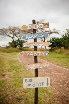 Letrero indicador boda