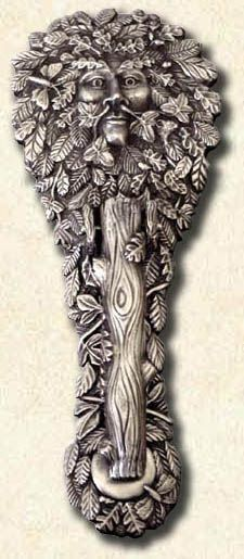 ♅ Detailed Doors to Drool Over ♅ art photographs of door knockers, hardware & portals - Green Man Door Knocker Door Knobs And Knockers, Knobs And Handles, Door Handles, Cool Doors, Unique Doors, Door Detail, Door Accessories, Door Furniture, Windows And Doors