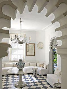 Un salon blanc d