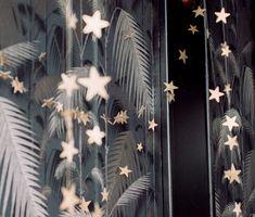 Holiday Decorating – Star Party Garland