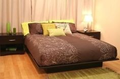 Types of beds, Platform bed with molding