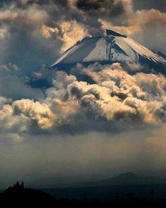 "Yo Soy Puebla na Twitterze: ""Sin palabras deja esta postal del majestuoso Popocatépetl ¡Impresionante! Foto de Instagram de cgarciaferro https://t.co/Yn1qcBcADr"""