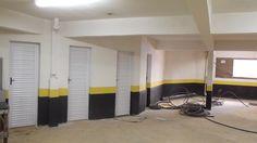 A garagem do Residencial Cotti e parte dos depósitos individuais.