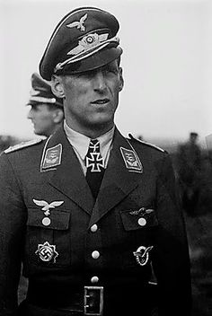 ✠ Anton Mader (7 January 1913 - 19 February 1984) RK 15.07.1942 Major Kdr II./JG 77 Luftwaffe, German Soldiers Ww2, German Army, Heroes And Generals, Flying Ace, The Third Reich, War Machine, World War Two, Armed Forces