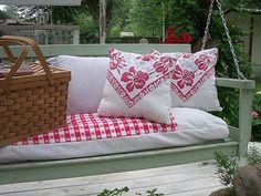 Red Cottage, Shabby Cottage, Cozy Cottage, Cottage Style, Vintage Tablecloths, Tablecloth Ideas, Shabby Chic Pillows, Hacienda Style, Decks And Porches