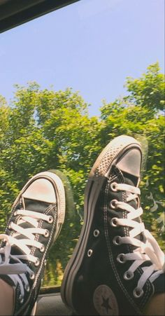 Cute Converse, Converse Sneakers, Converse All Star, Tumblr Photography, Bad Girl Aesthetic, Chuck Taylor Sneakers, Dior, Girly, Stars