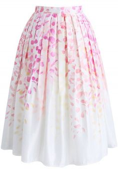 Falling in Love with Petals Printed Midi Skirt - http://www.chicwish.com/bottoms/skirt.html?cat=80&limit=60&dir=desc&order=created_at&pp=0