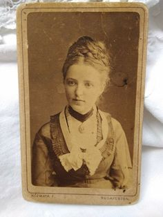 Beautiful Young Lady, Hungary, Budapest, Young Women, Antiques, Cards, Painting, Carte De Visite, Antiquities