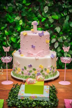 Bottom half only Butterfly Birthday Cakes, Baby Birthday Cakes, Butterfly Cakes, Baby Cakes, Pretty Cakes, Beautiful Cakes, Spring Cake, Party Decoration, Samara