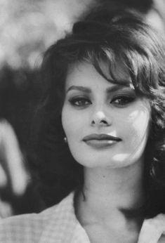 """wehadfacesthen: """"Sophia Loren, 1962 """""""