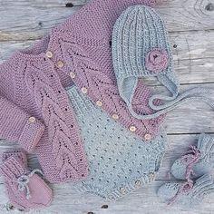 View frokenstrikkepinne's Instagram Barselgave levert til ei nydelig lita prinsesse #klompelompe #gullinaromper #knitsandpieces#jentestrikk #bladrillejakke #knit #knitting #knitted #knittersofinstagram #knitstagram #instaknit #knittingaddict #handmade #knitting_inspiration 1631314103211836313_1477005757