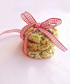 Hillary Clinton's Chocolate Chip Cookies - They are good! Oatmeal chocolate chip is one of my favorite kinds of cookie. I usually make them with butter, not shortening as this recipe did. It helped that I had all the ingredients already in my kitchen. However, I will have to try the other candidates' recipes before making my decision. :-p