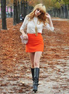 high-waist-miniskirt-with-fall-boots