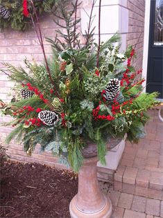 30 Ideas for Christmas Flower Pots - Home DIY Projects Inspiration Christmas Urns, Outside Christmas Decorations, Christmas Tree Storage, Christmas Planters, Christmas Wreaths, Holiday Decor, Outdoor Decorations, Outdoor Ideas, Holiday Ideas