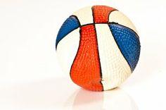 Latexball mit Quitscher, 10cm Durchmesser, blau-rot-weiß, Preis: 8,90 EUR zzgl. Porto