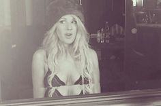 Ellie Goulding Instagram | Ellie Goulding strips to lacy bra in sexy Instagram snaps after Fifty ...
